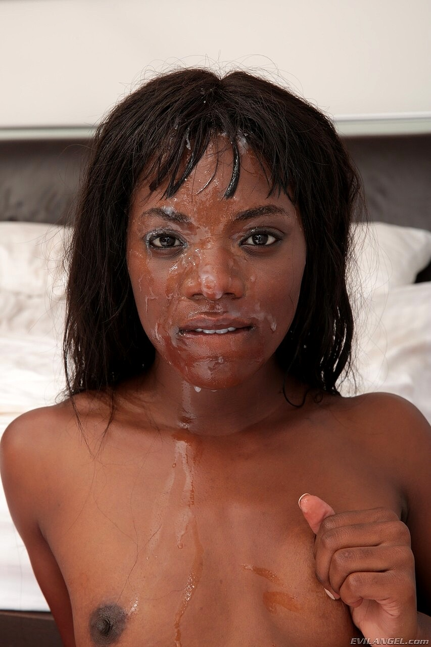 Ana Foxx Facial