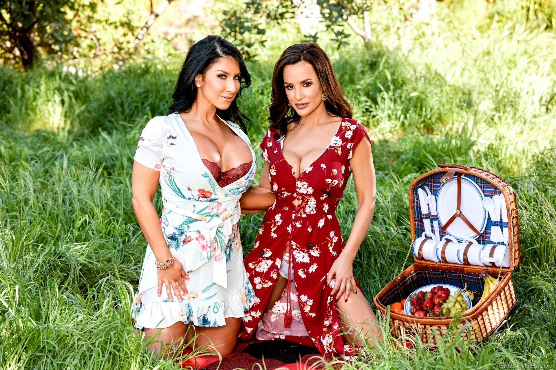 Evil Angel Lisa Ann Ricky Johnson Raven Hart Alljapanesepassxxx Threesome Cerah Sex Hd -4072