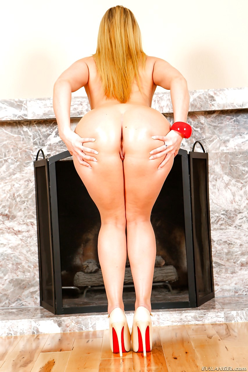 Aj applegate with mark anthony 1