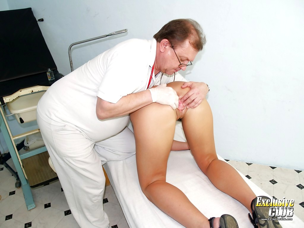 Порно врач гинеколог извращенец фото первом сексе