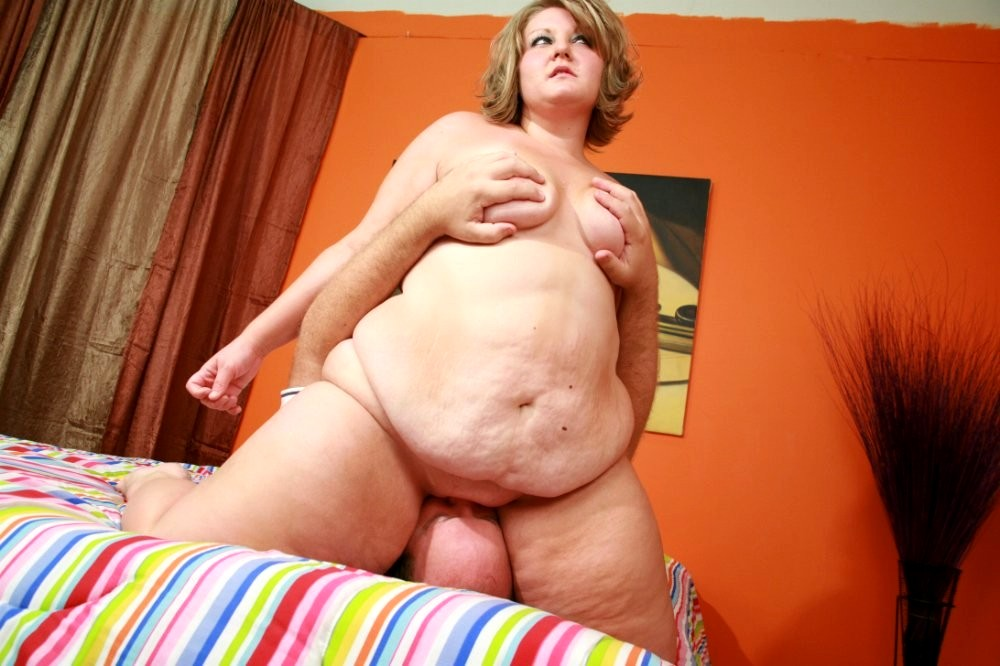 Fat guy skinny girl porn — photo 2
