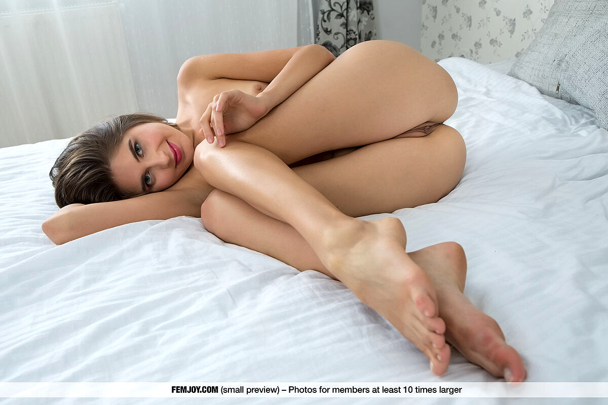 Femjoy Luna Moonie Image Foot Fetish Young Sex Hd Pics-4849
