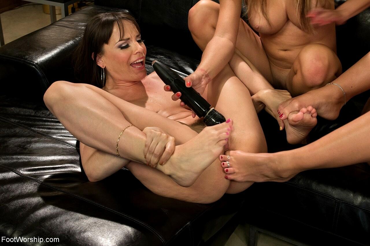 Hot Tub Lesbianfoot Worship Free Foot Fetish Hq Porn Porn Galery