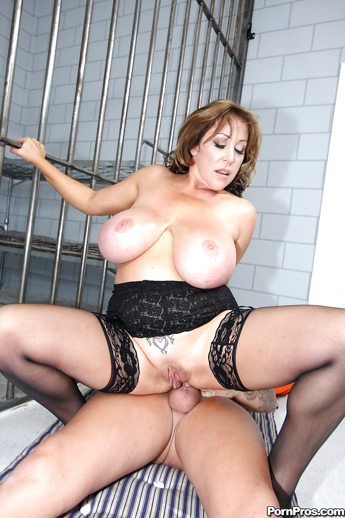 membership-simpsons-milfs-with-big-tits-getting-fucked