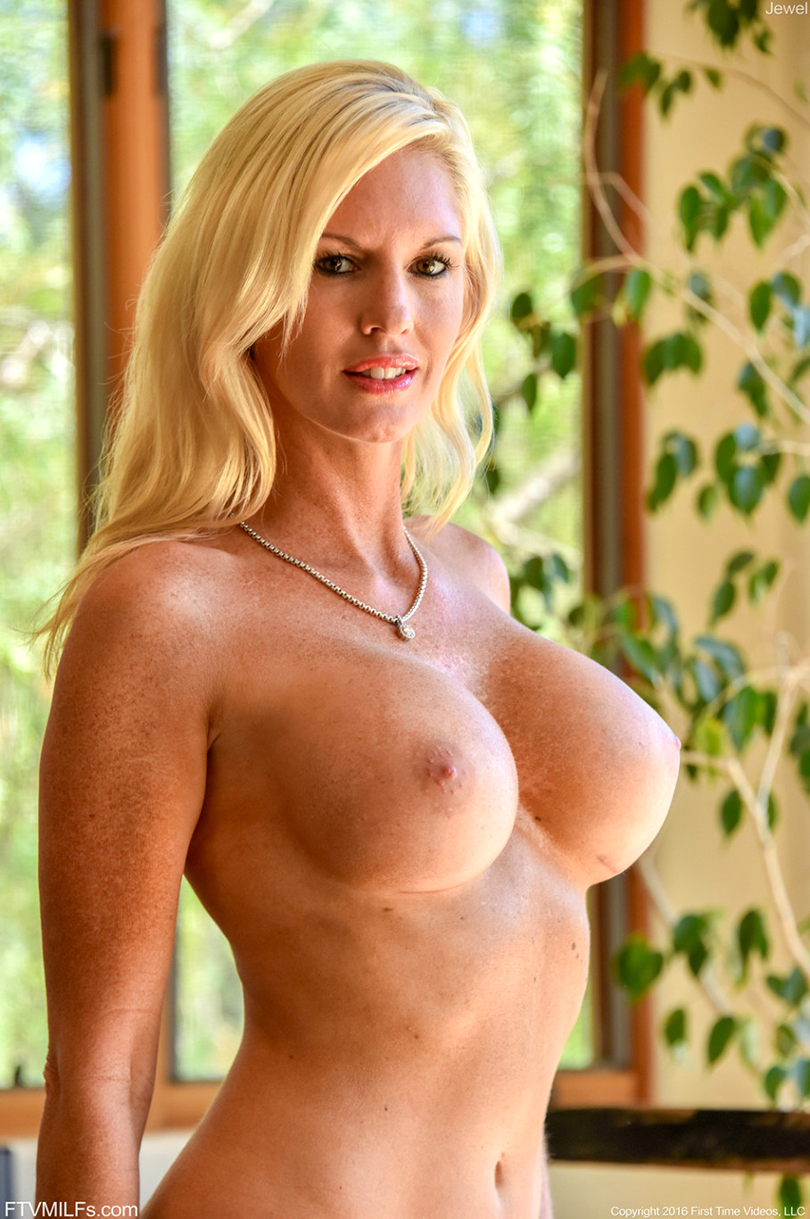 milf cougar berlin elite escort