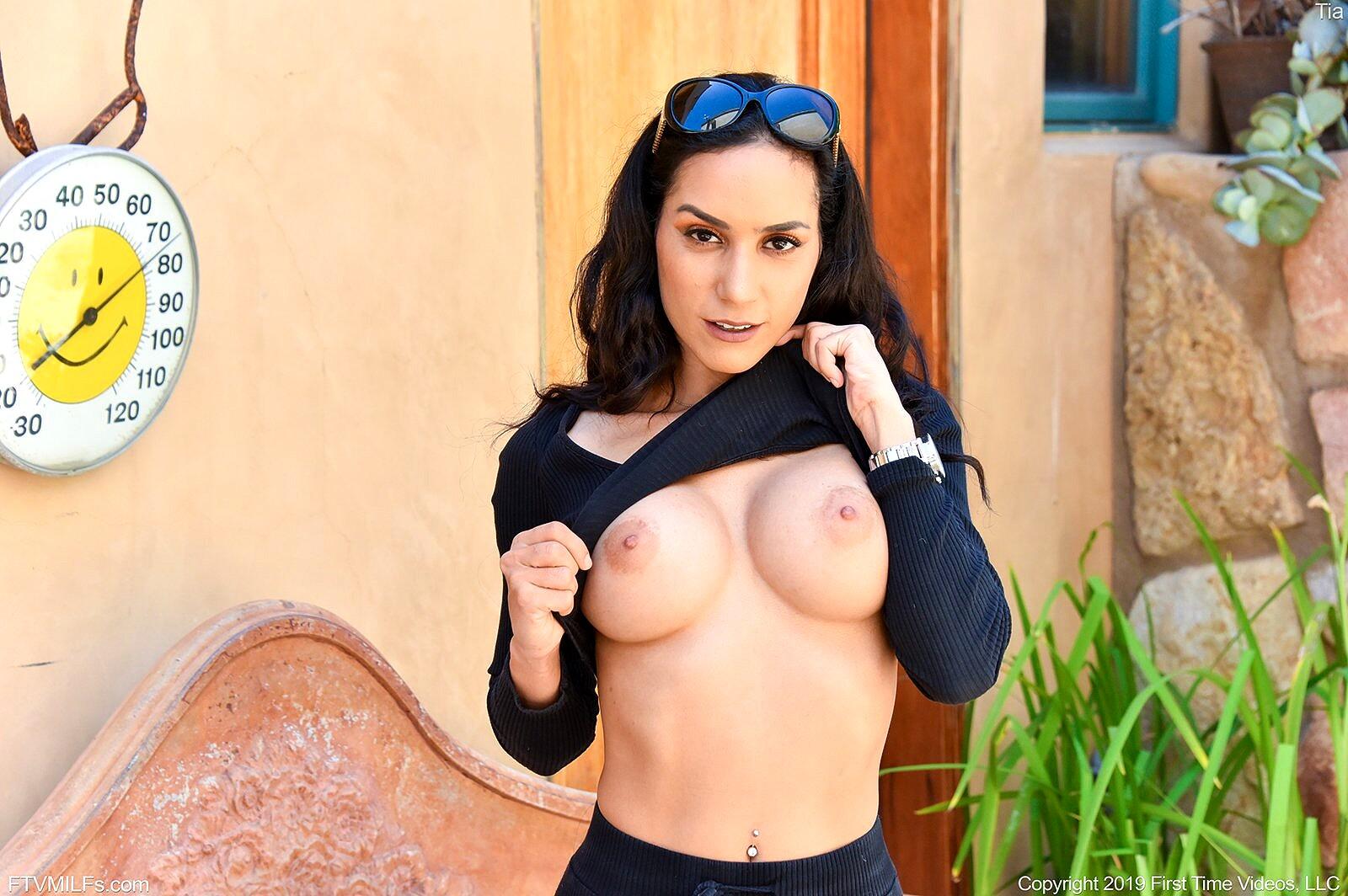 Big boobs sex milf