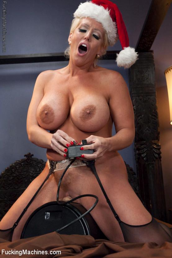 Jennifer tilly boob job