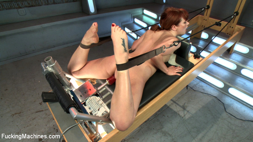 Claire Robbins Works Out Her Pussy And Ass With Machinery