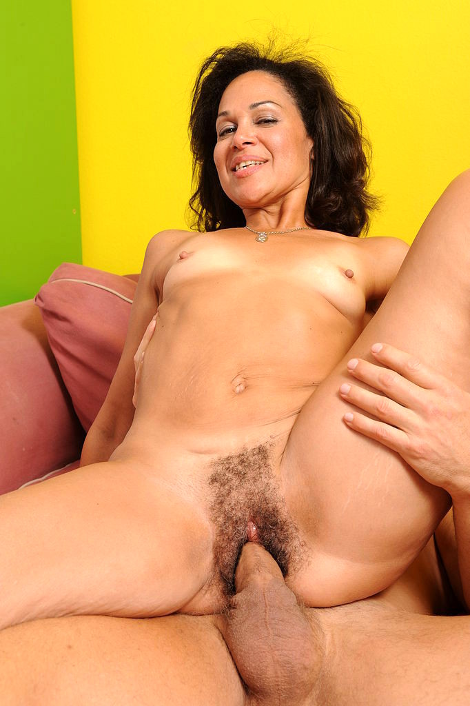 Смотреть бесплатно порно волосатые зрелые дамы 77732 фотография