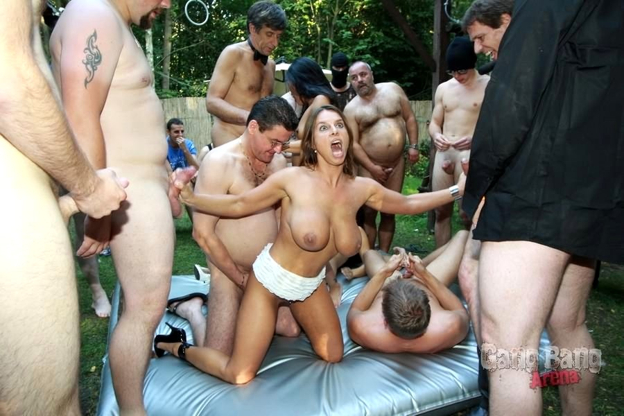 Hot German Bbw And Naked Girl Take Part In Nasty