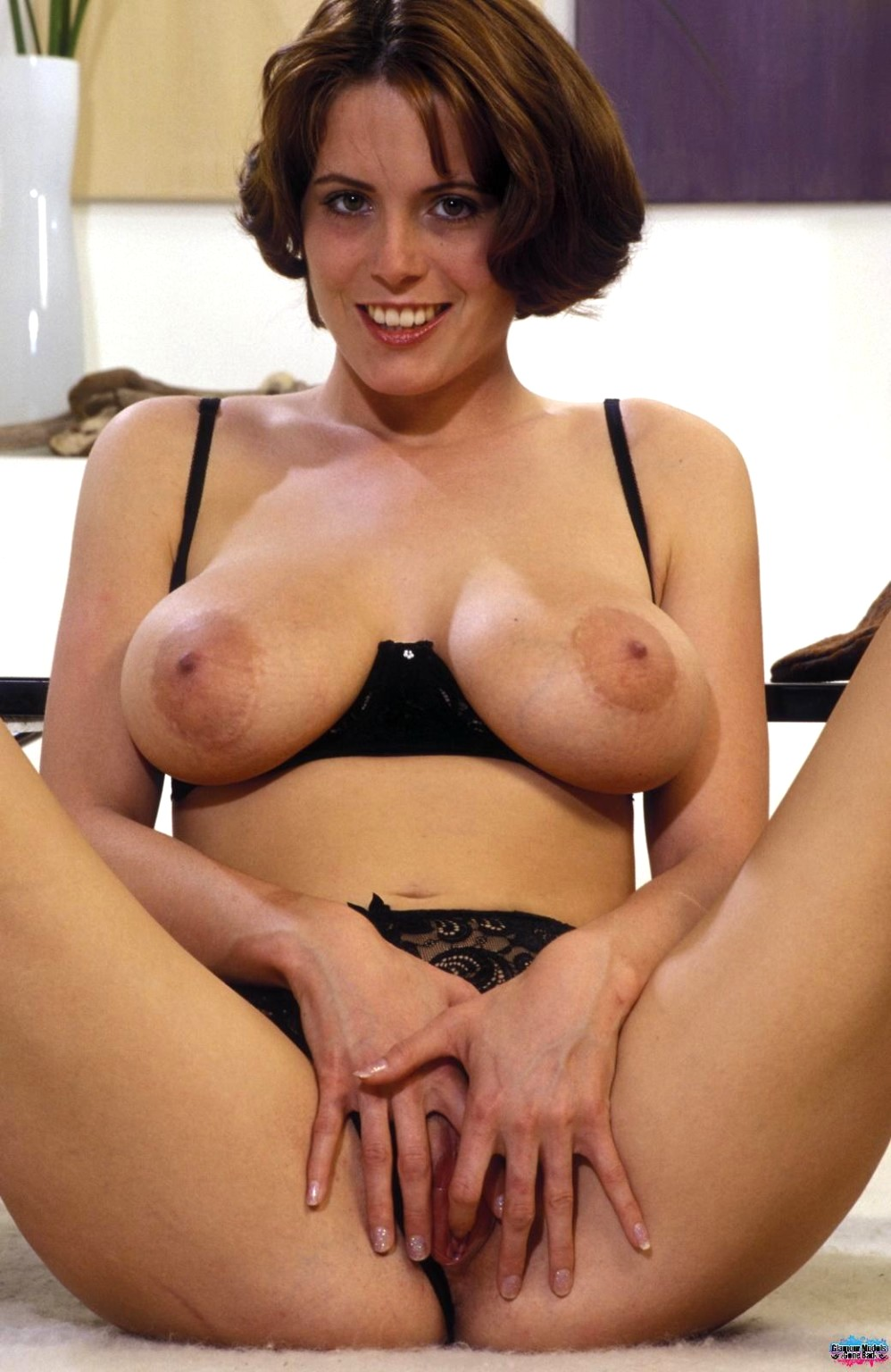 asisn model nude woman