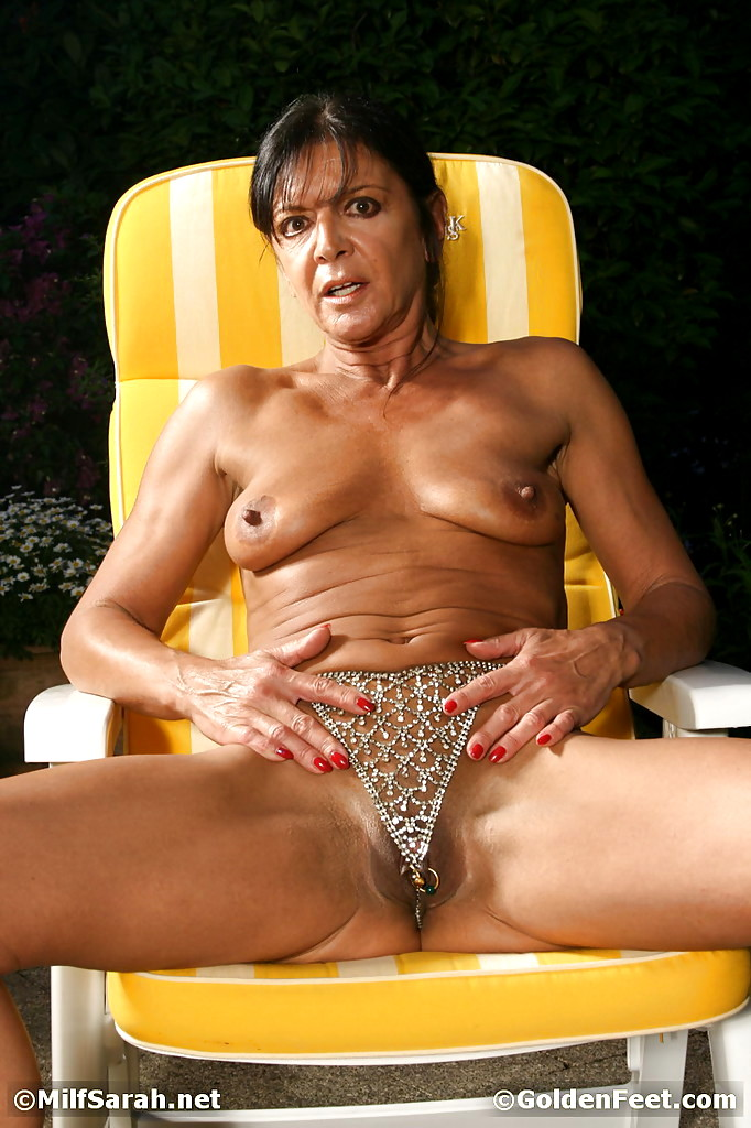 coulter-photo-mature-lady-sara-image-galleries-older