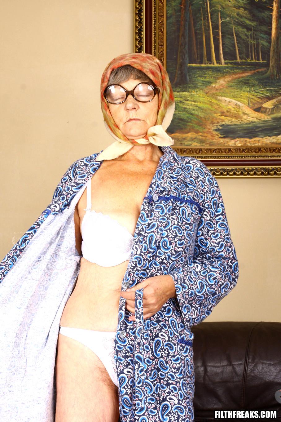 sapphic erotica grandma