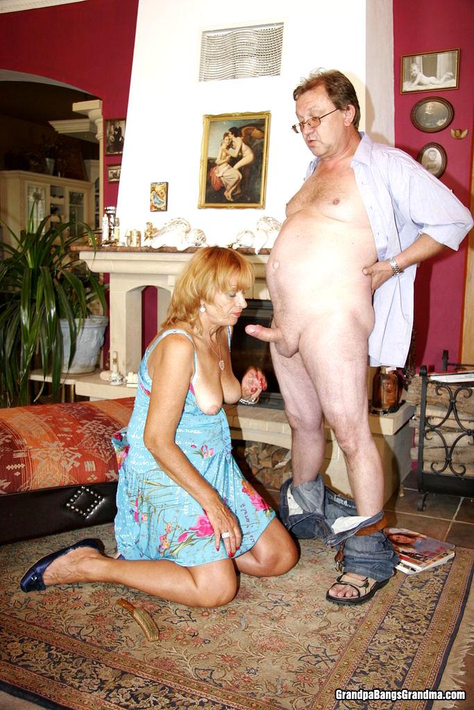 стояла коленях секс с сарыми дом работницами фото мой писун