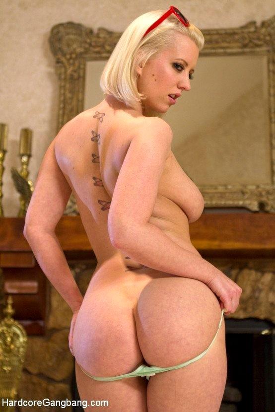 Natasha smith pantyhose