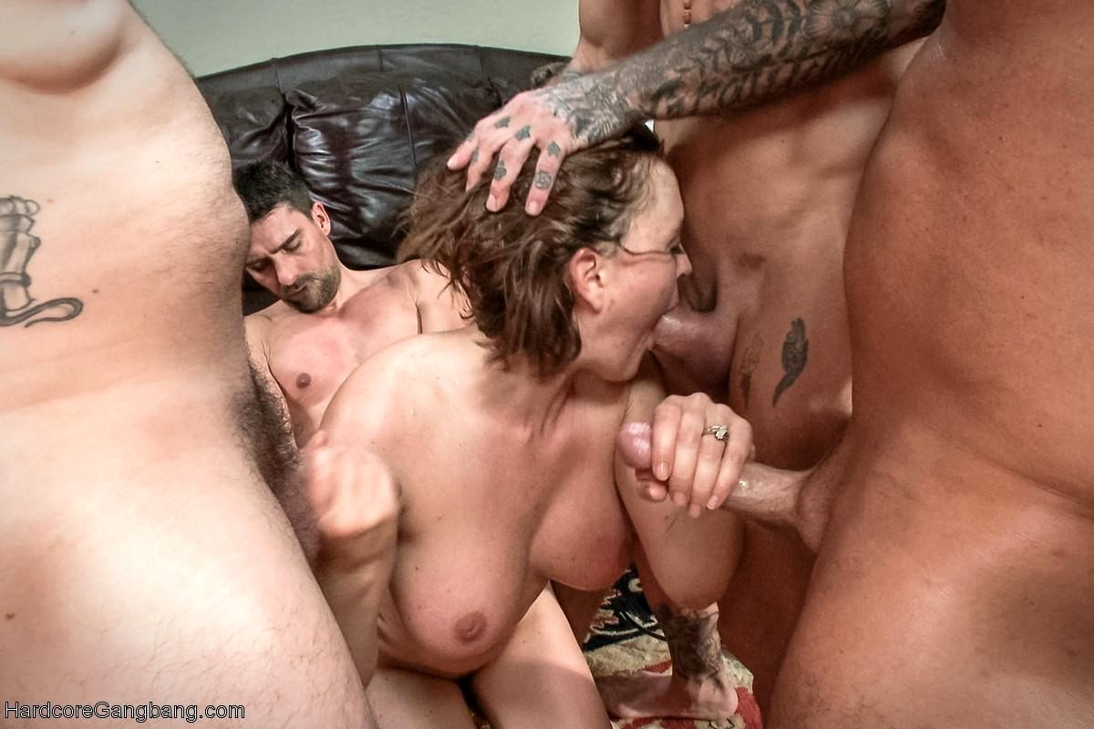 Guys playing with pussy