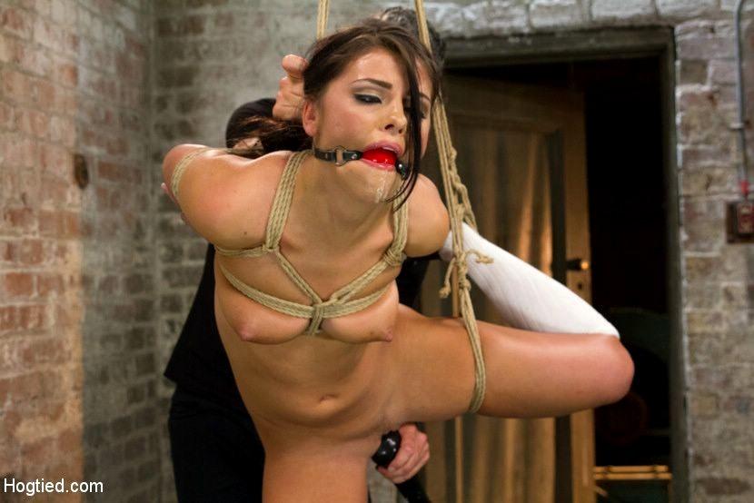 Adriana Chechik 1