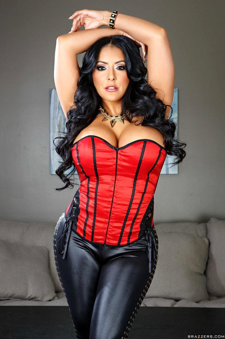Hot And Mean Phoenix Marie Kiara Mia Vaniity Brunette Star