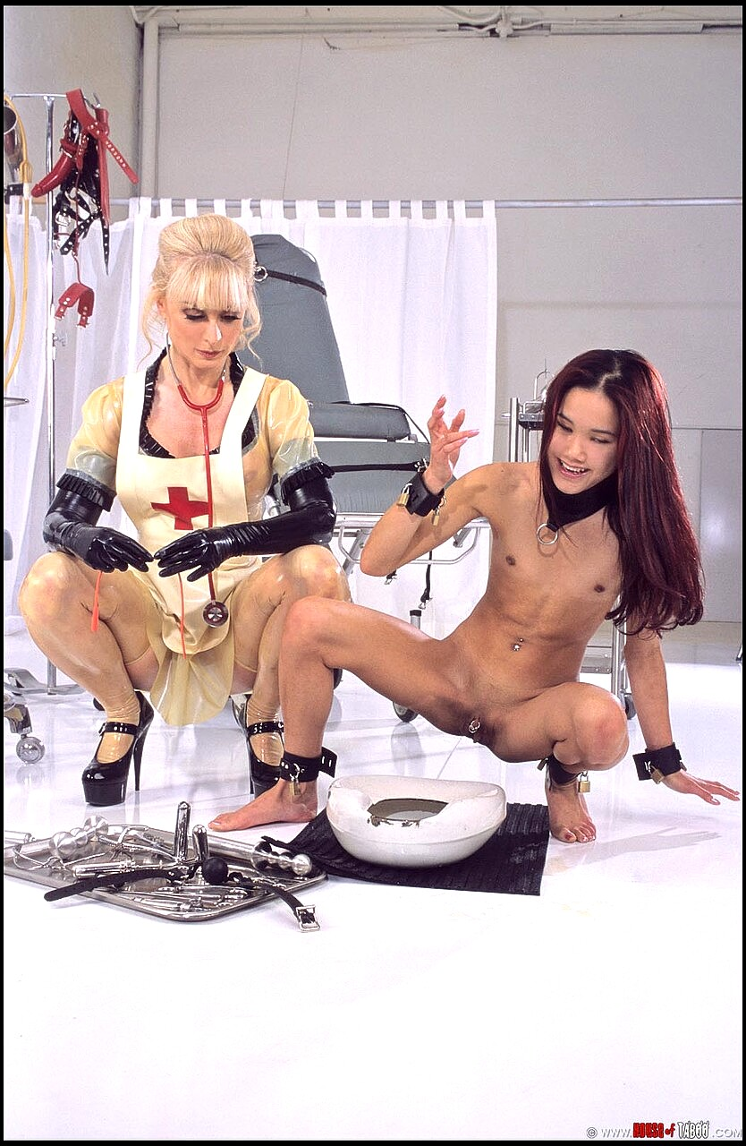 Kitty jung katzu makes a pee in front of herschel savage