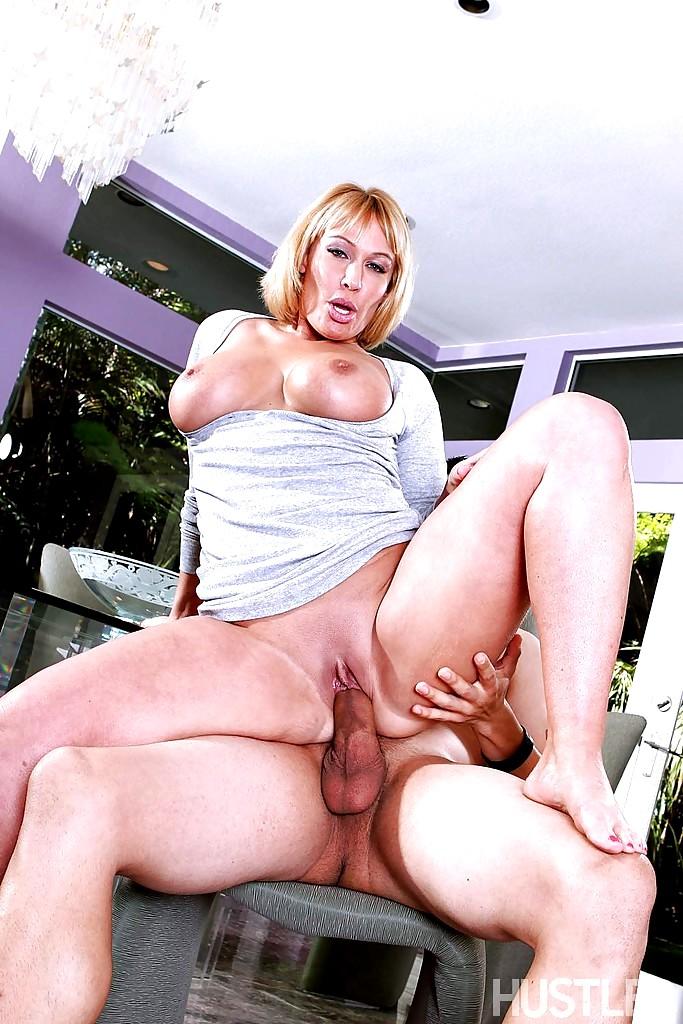 Free mature ametuer porn thumbnails