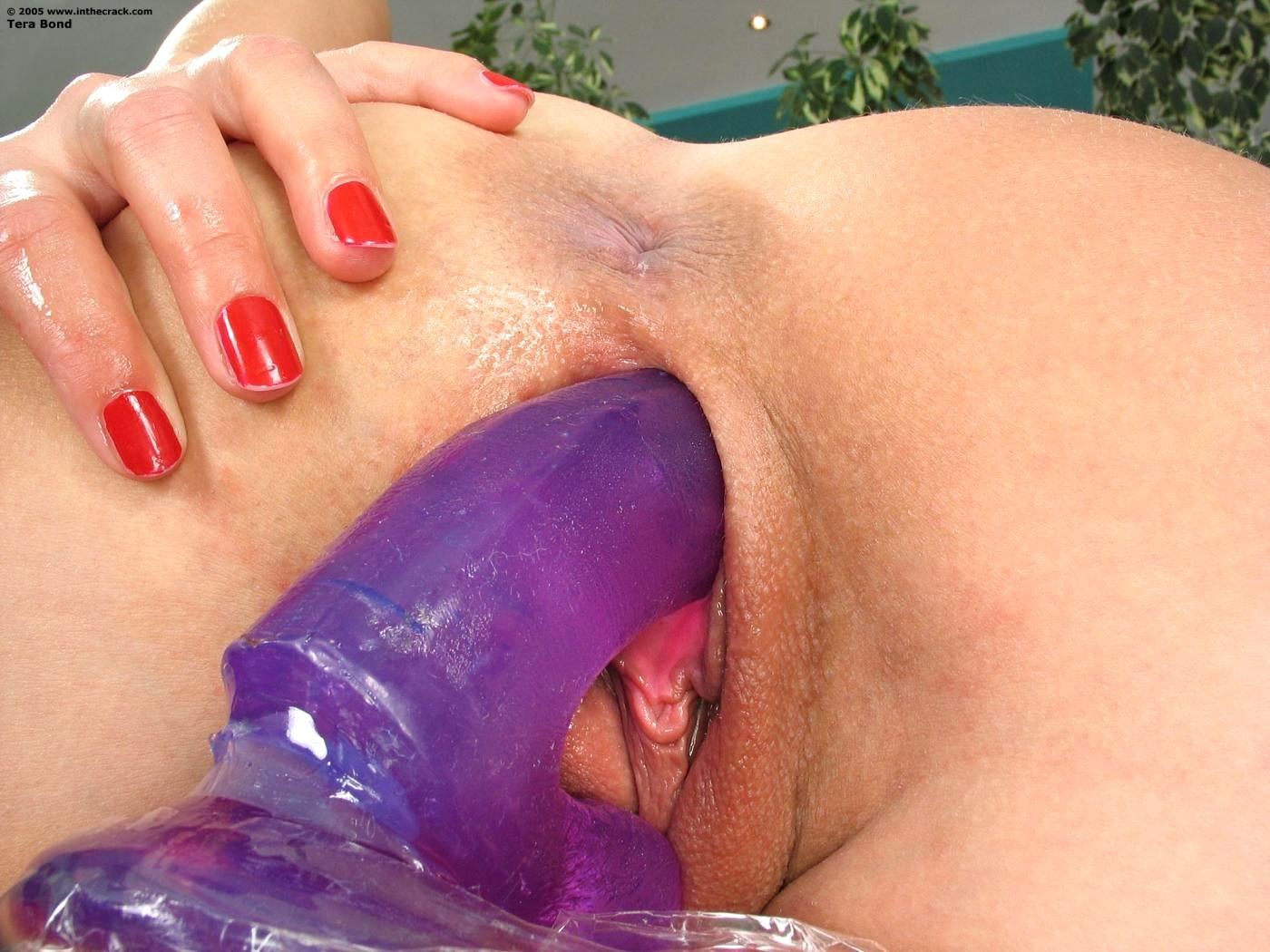 Seductive tera bond thrusts her dildo deep in her pussy