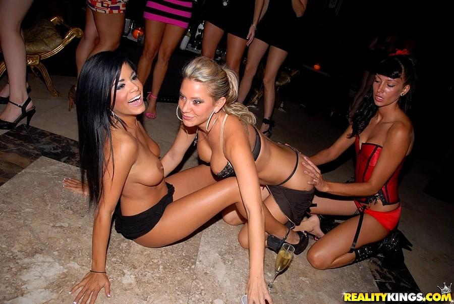 Club teens enjoy after club
