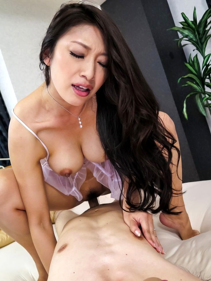 Uk mature nude model
