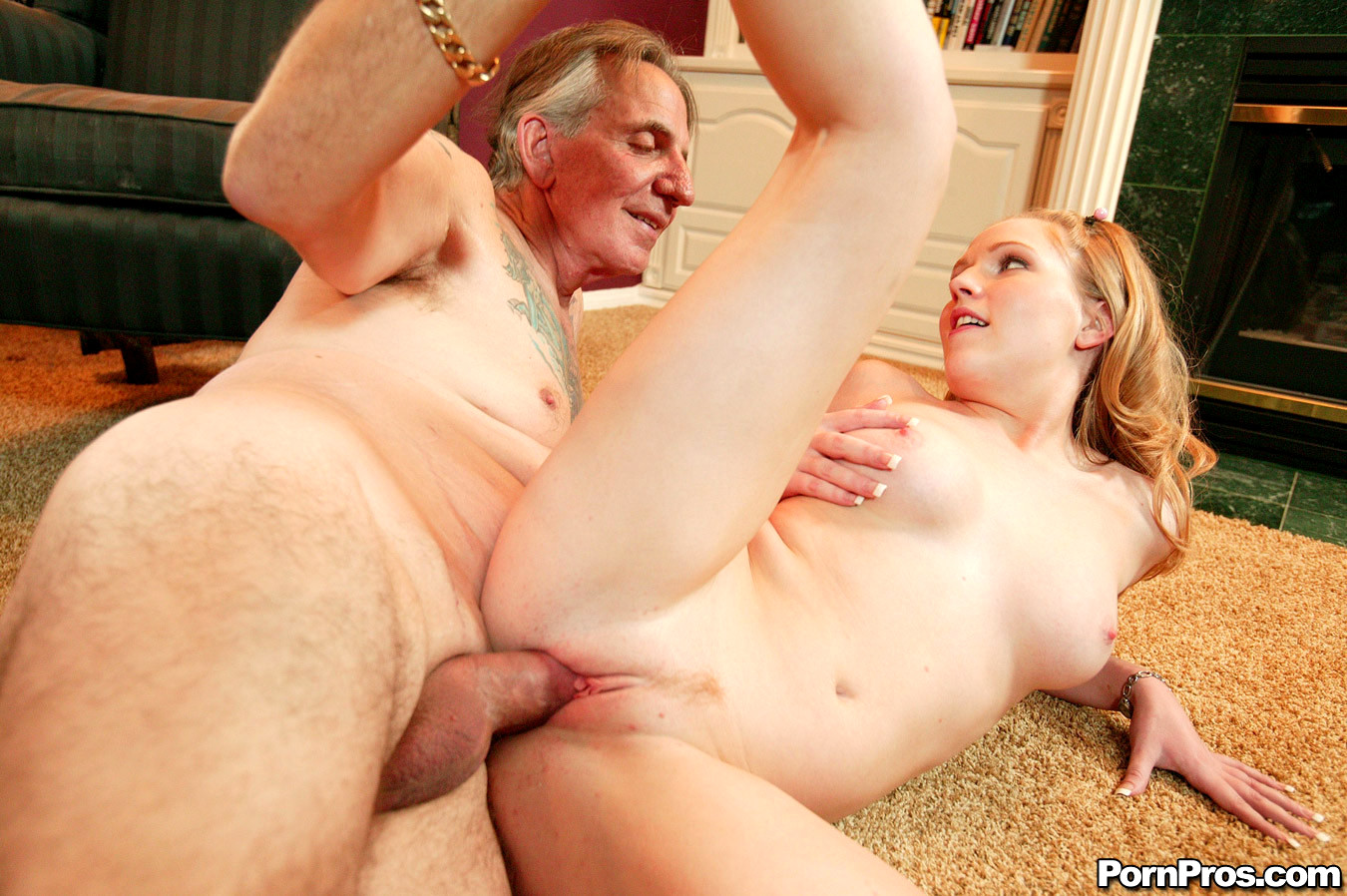My Sugar Daddy Fuck Me And Mom Seduces Beautiful Compeer Chum S Daughter Spanksgiving