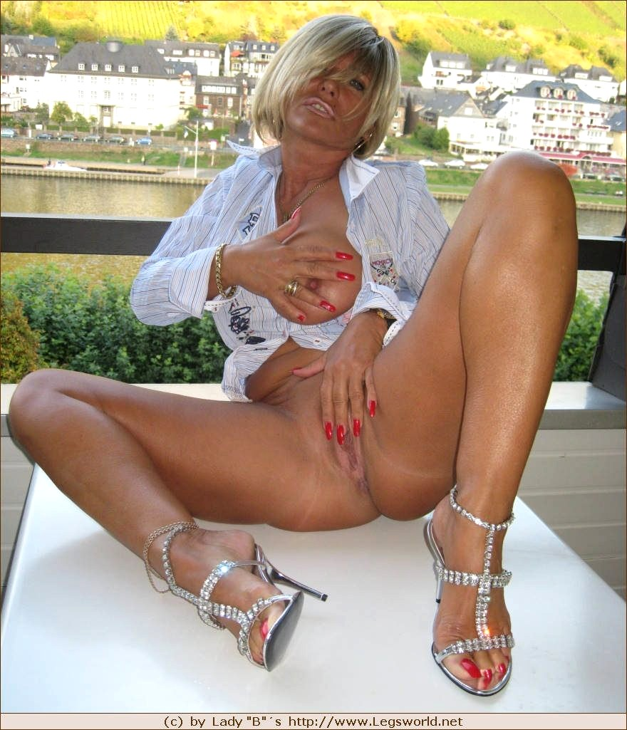 Celeb Lady Barbara Nude Photos