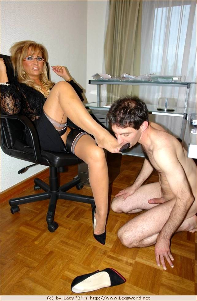 Lady barbara legsworld