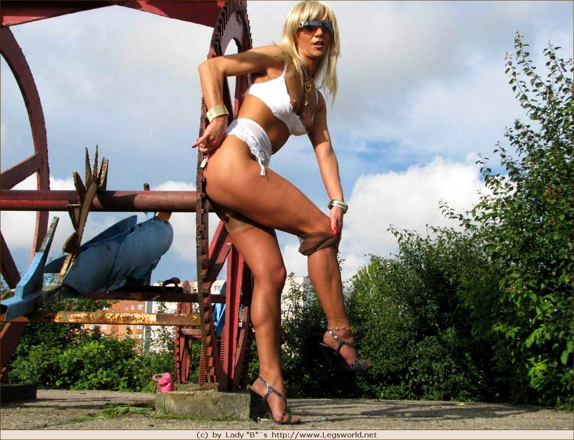 Lady barbara high heels nude think