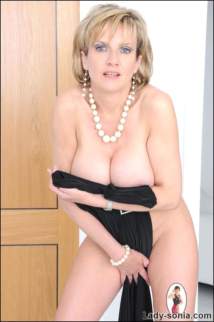 www.british lady sonia.com