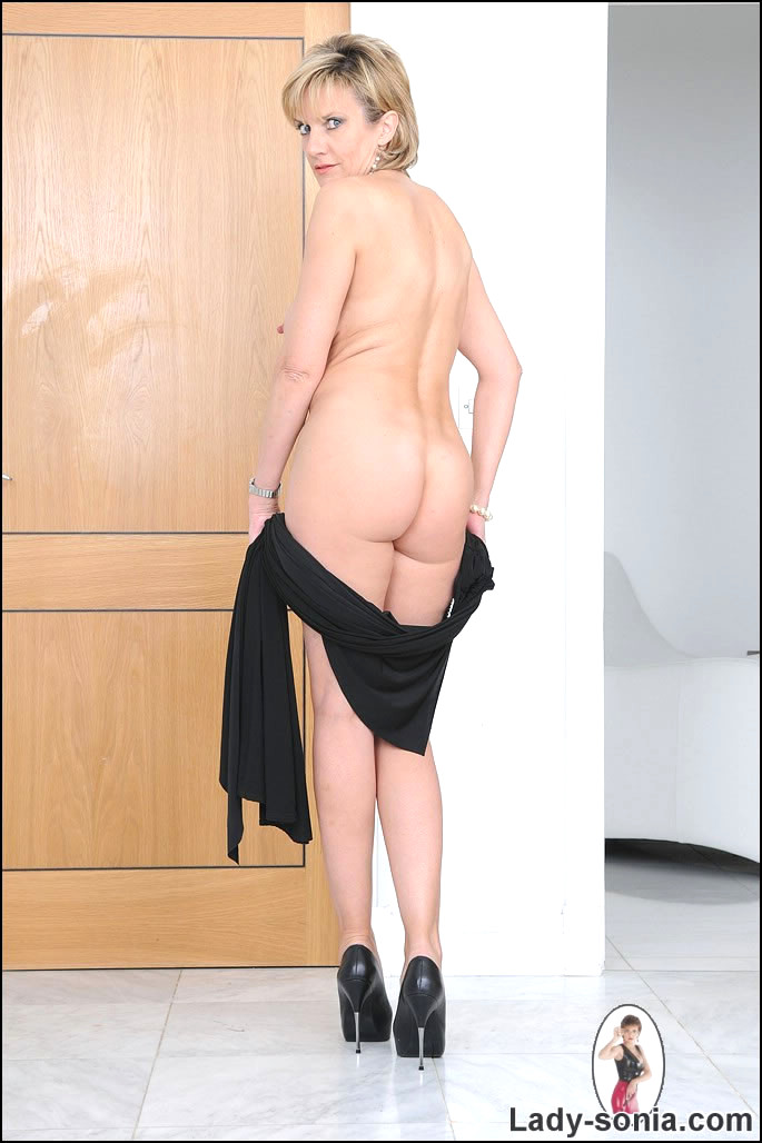 Jennifer aniston nude sexy panties hot sexy