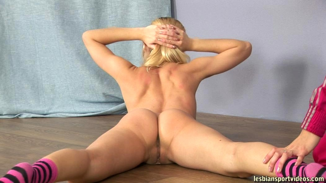 Little Gymnast Woke Up Stepbro By Blowjob And Ride Him For Twice Orgasm