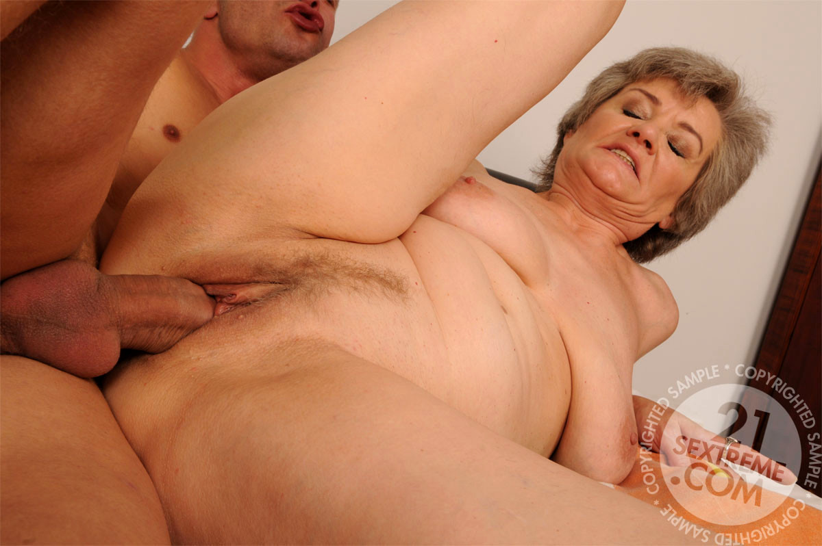 Granny aliz lusty