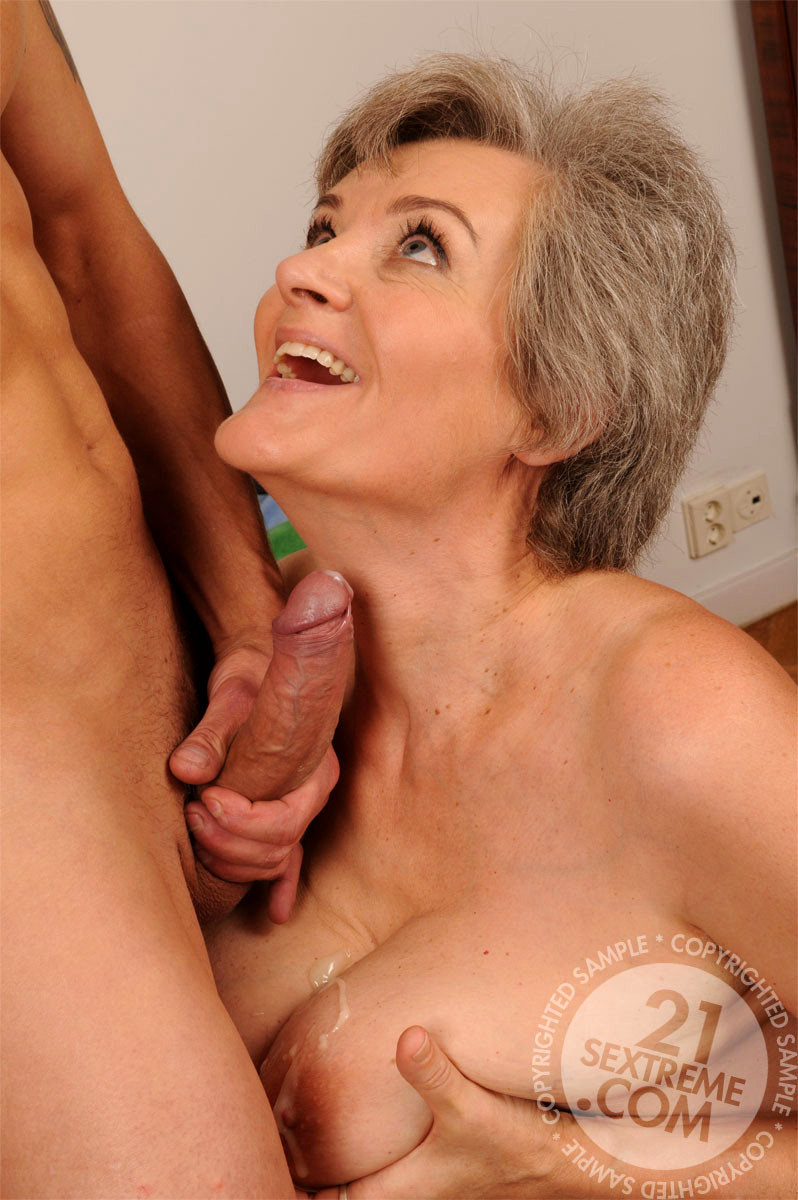 Mature milf Blowjob boy