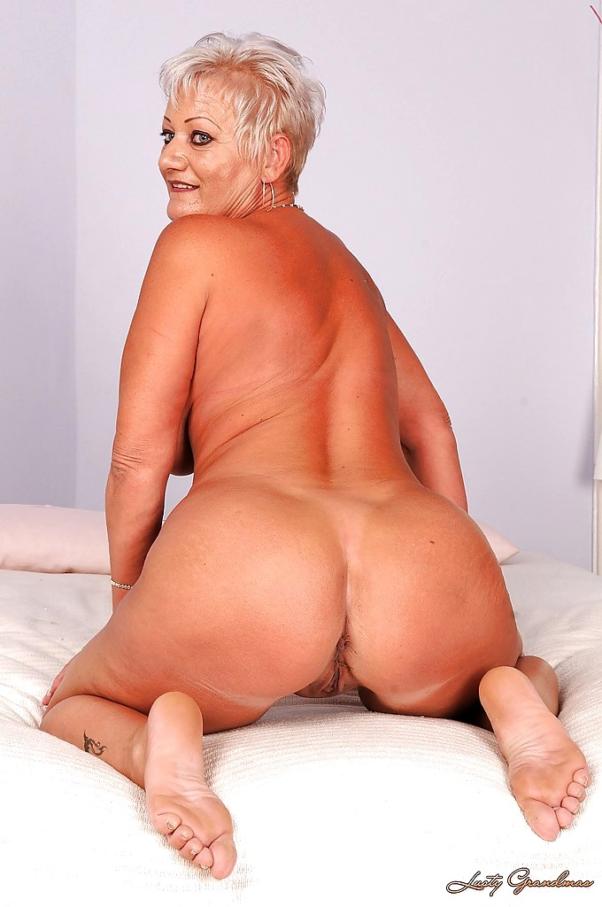 Naked lusty grannies #7