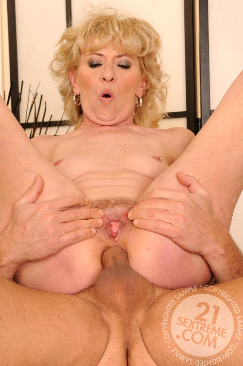 Sex Hd Mobile Pics Lusty Grandmas Effie Sexy Mature Milf -7415