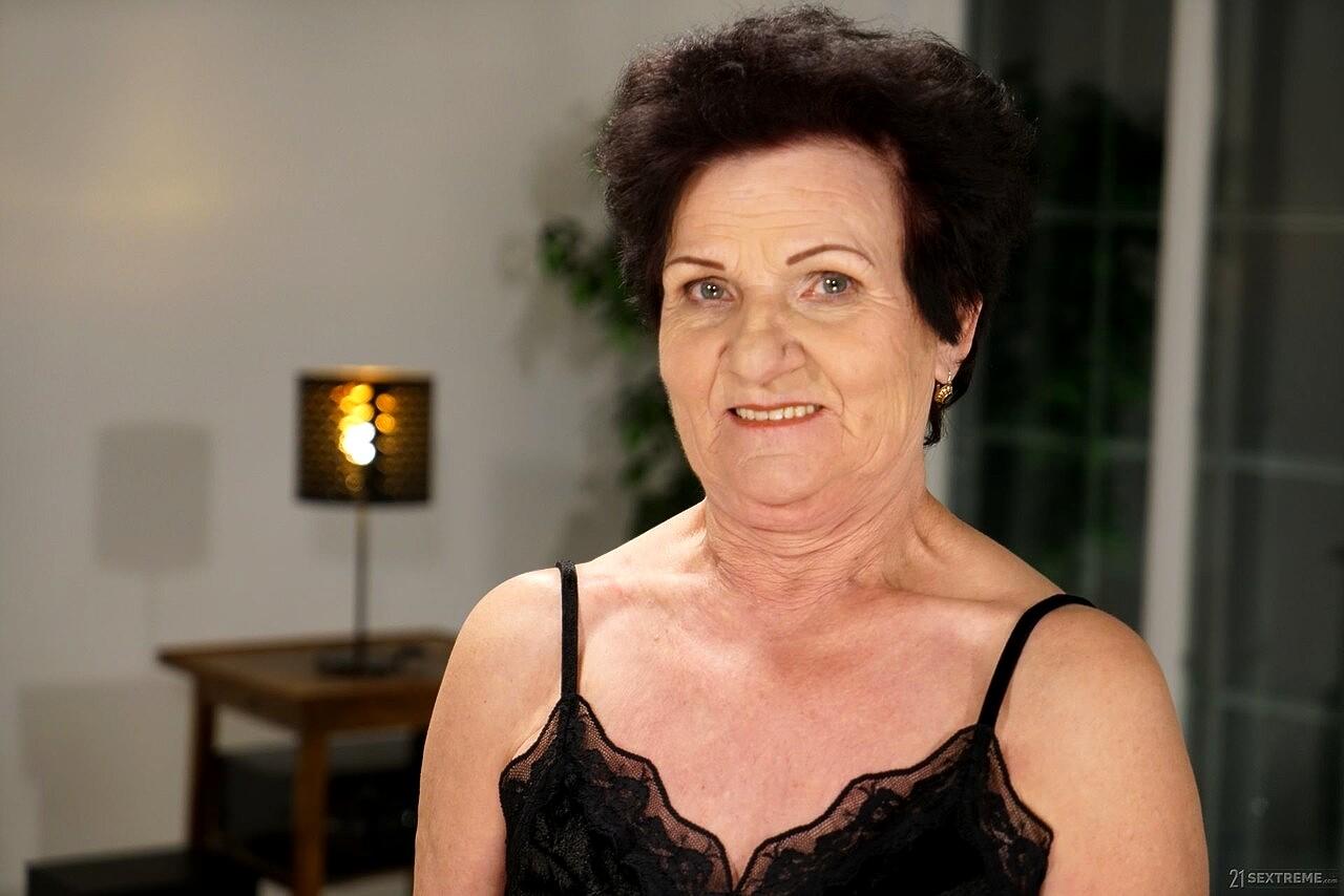 Lusty Grandmas Lisbeth Mugur Watchmygirlfriend Granny