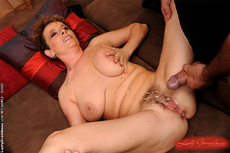 Порно ролики старые женщины кончают