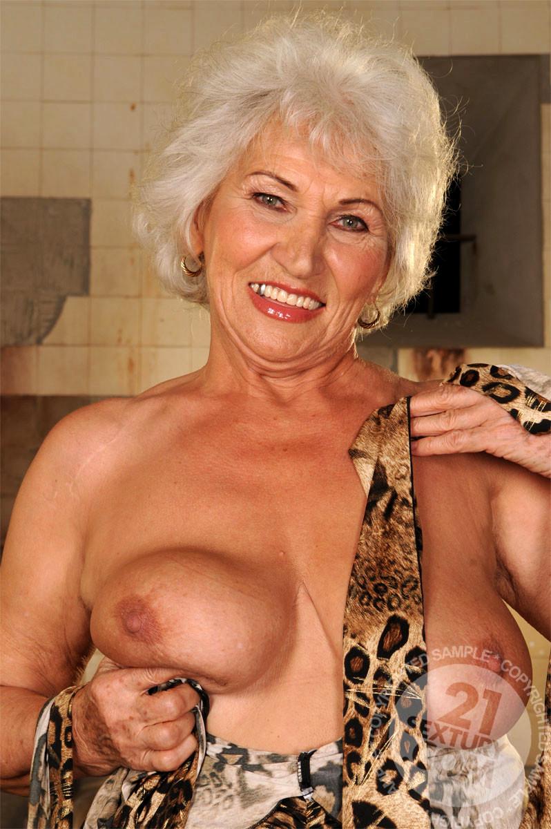 Lusty Grandmas Norma High Resolution Mature Lady Mobi -9982