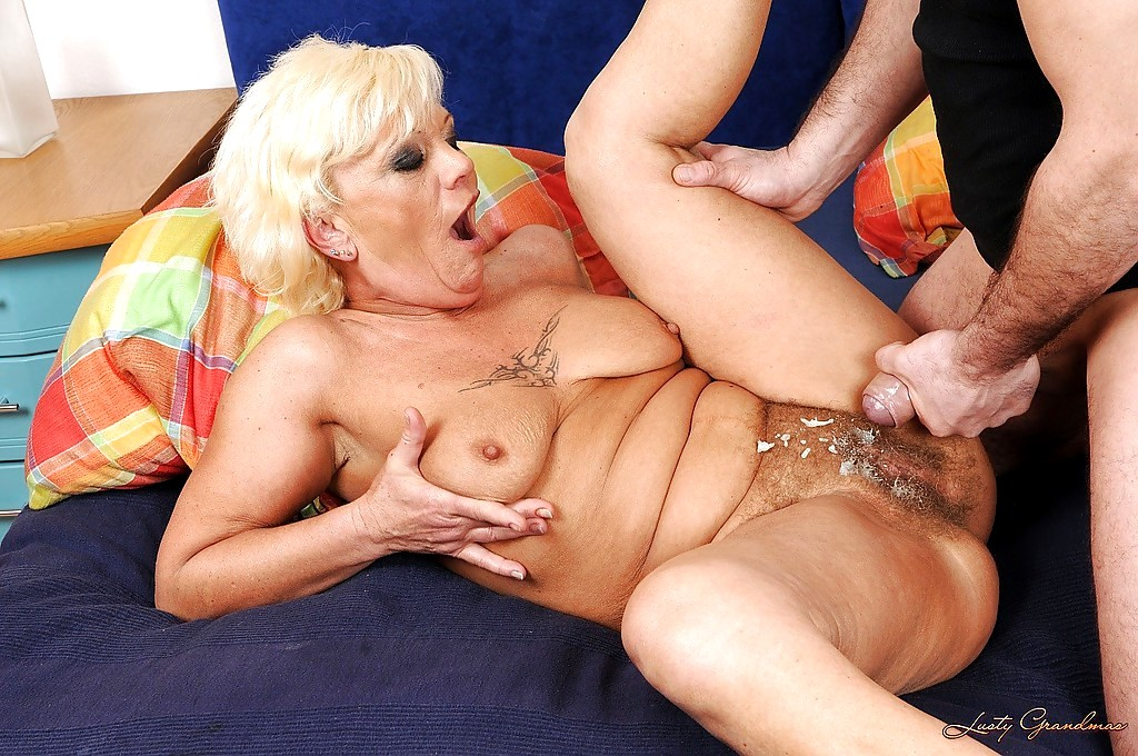 Free sexy hardcore granny photos #8
