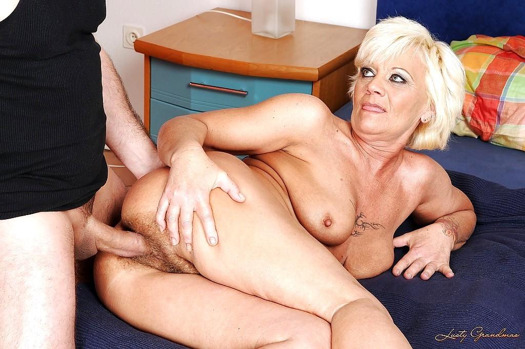 Lustygrandmas hairy granny eaten and drilled to satisfaction 4