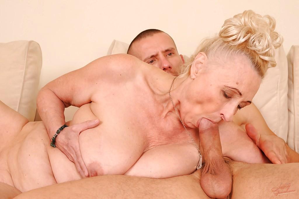 Hot girls kissing tits