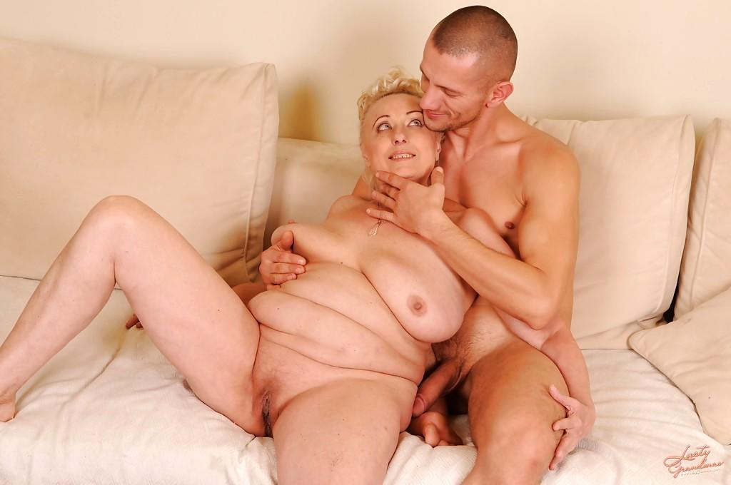 Голая тетка и мужик секс видео