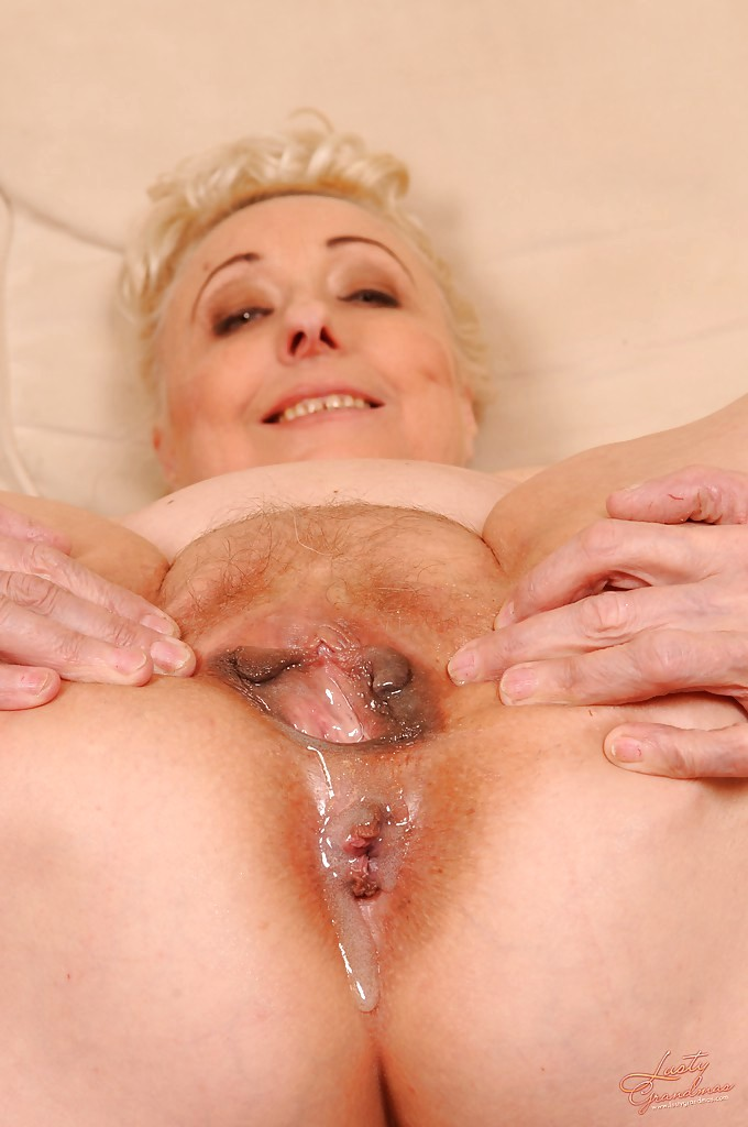 Mature mommy fucks young stud 10