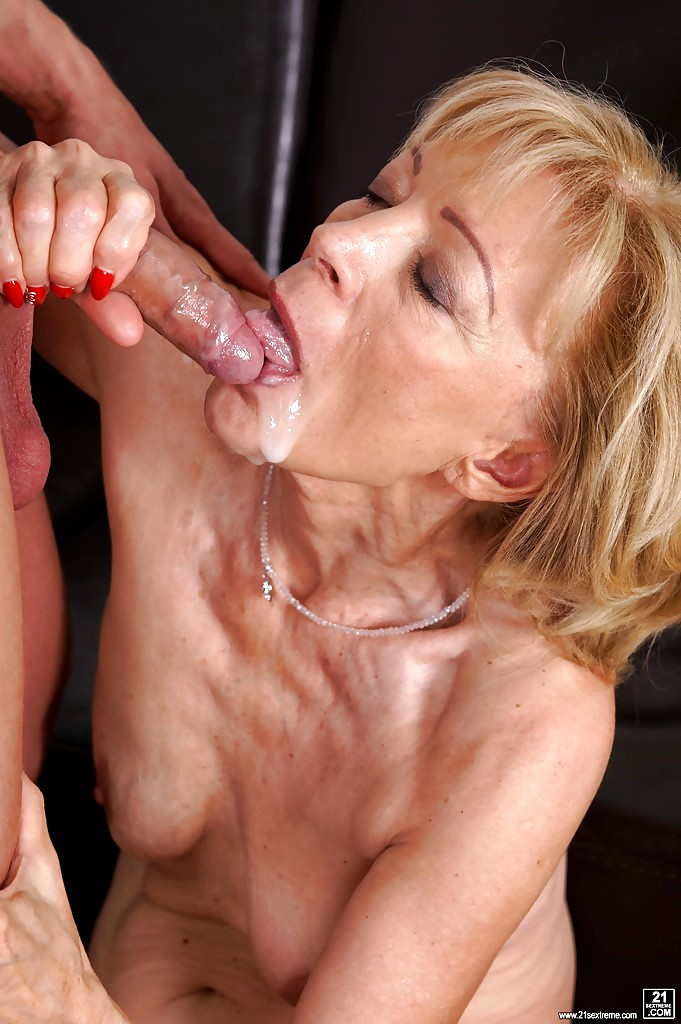 Very hot cougar fucked by her toyboy - 3 part 9