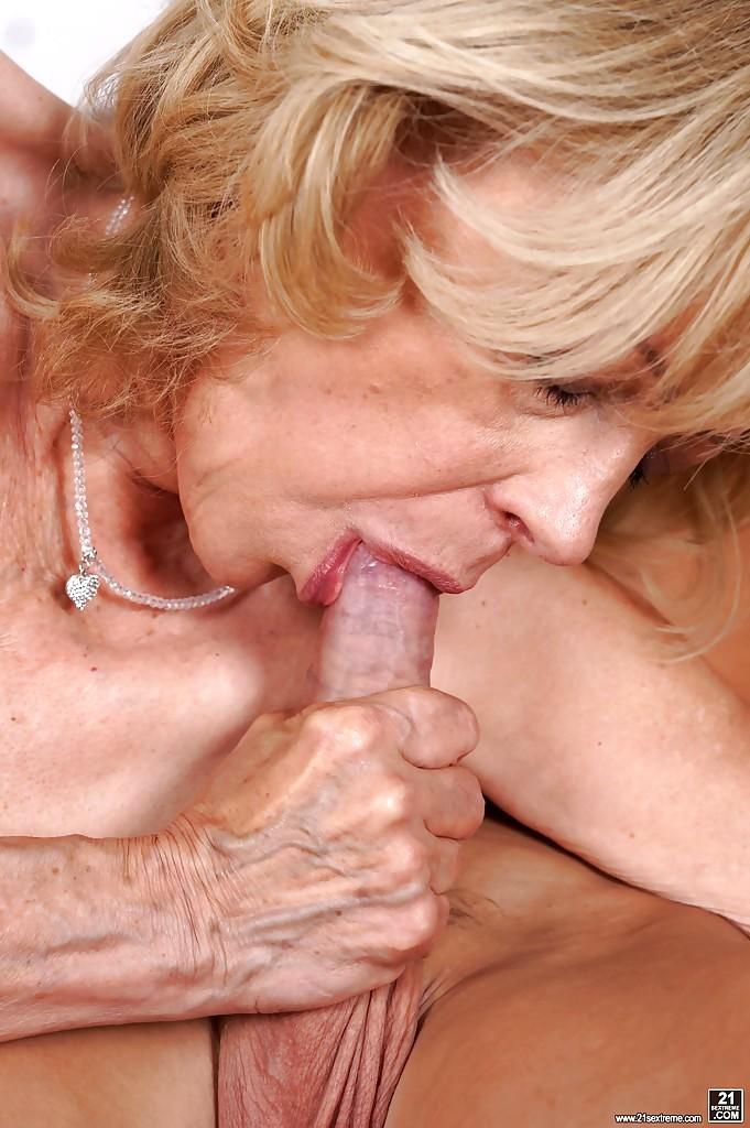 способ отвлечься оральный секс старых астане