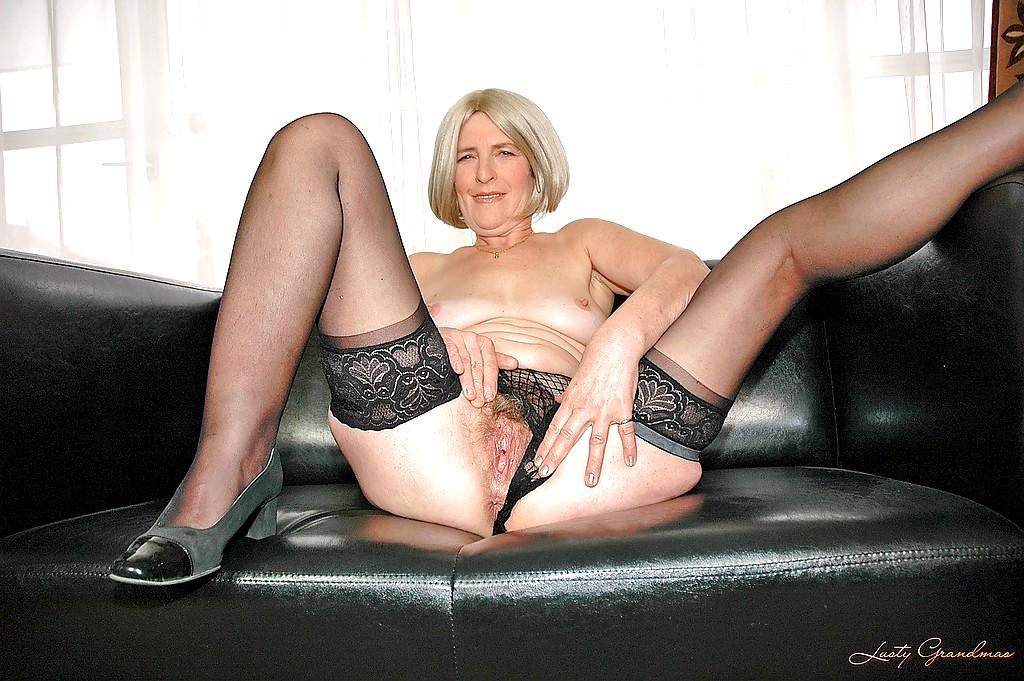 Hairy granny in stockings