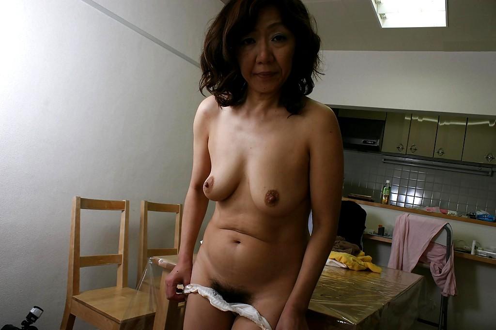 xxx-demos-naked-old-japanese